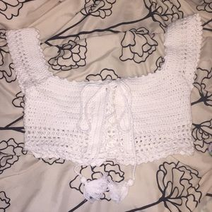 Tops - White crocheted crop-top